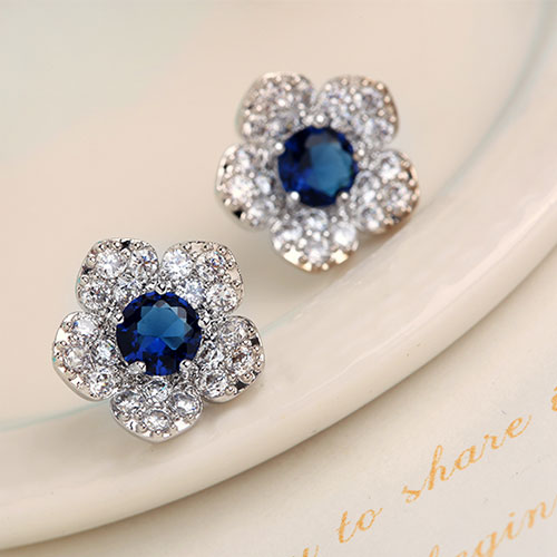 Beautiful Flower Shaped Stud Earrings Studded With Sparkly Blue Zircon Grxjy5300161